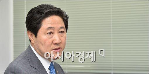 """유기준, 최경환 만류에도 출마 고수 """"계파 의미 없다"""""""