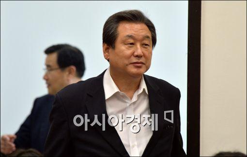 김무성, 유승민 제치고 다시 '대선주자 1위'