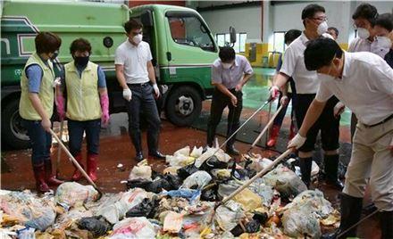 서울시, 비닐봉투 줄이기 앞장선다
