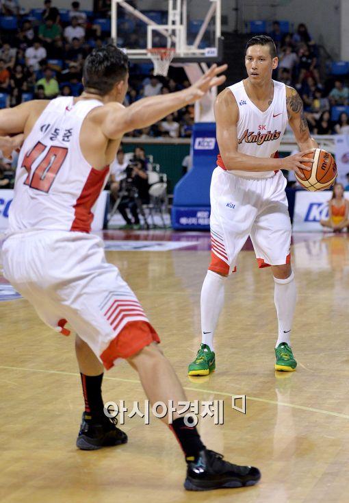 SK 포워드 이동준(왼쪽), 이승준(오른쪽) [사진=김현민 기자]
