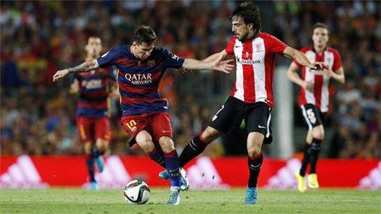 FC바르셀로나의 리오넬 메시(왼쪽)가 아틀레틱 빌바오와의 스페인 슈퍼컵 경기에서 돌파를 시도하고 있다.[사진=FC바르셀로나 페이스북]