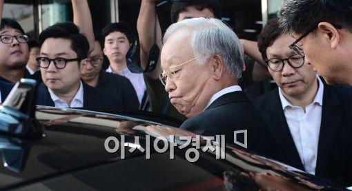 """[재계총수 청문회]손경식 CJ 회장 증인 출석 """"성실히 임할 것"""""""