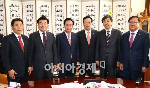 [포토]선거구 획정관련 여야 원내대표 긴급 회담