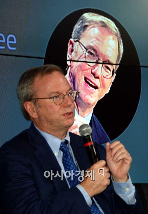 구글 슈미트 회장, 이세돌·알파고 대국 관전하러 방한…국내 일정은?