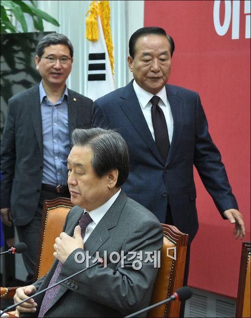 """'친박' 서청원, '권력자' 발언에 발끈 """"김무성 이상 권력자 어디 있느냐"""""""