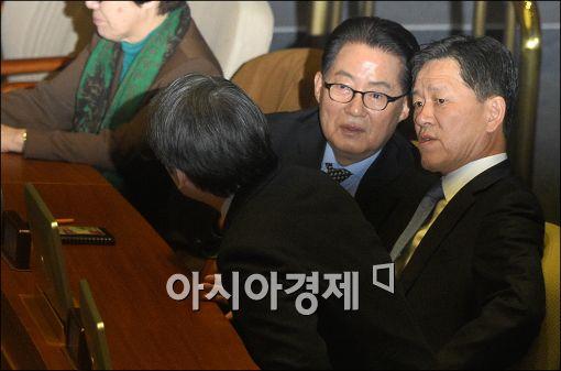 """박지원 """"이번주 탈당…文 사퇴 이미 늦어"""""""