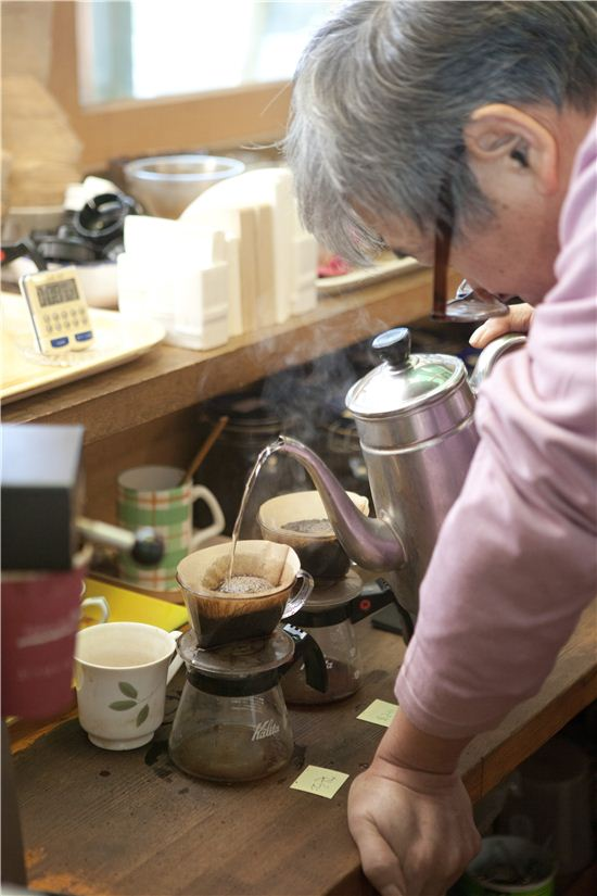 우리나라 커피 1세대로 불리는 박이추 선생.