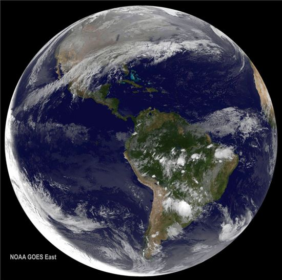 ▲위성이 찍은 2016년 첫 지구.[사진제공=NOAA/NASA]