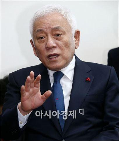 [포토]기자회견 갖는 김한길 무소속 의원