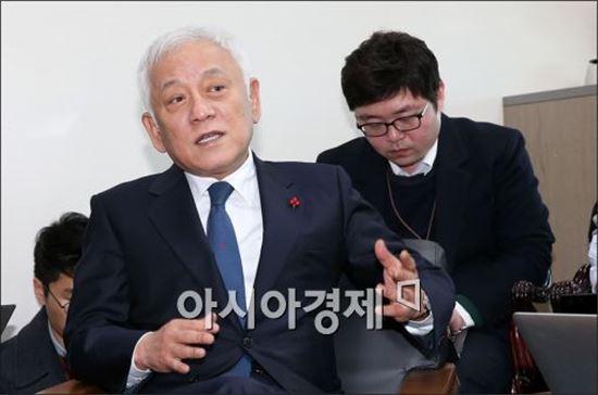 [포토]기자회견 갖는 김한길 의원