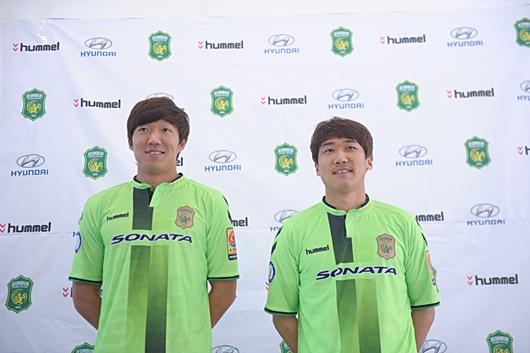전북으로 이적한 최재수(왼쪽), 사진=전북 구단 제공