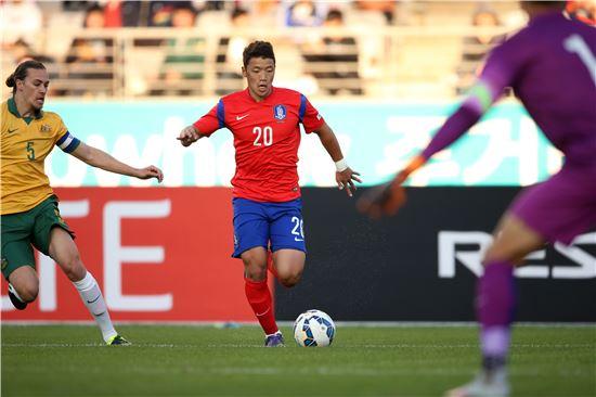 황희찬이 지난해 10월 9일 호주와의 평가전에서 드리블하고 있다, 사진=대한축구협회 제공