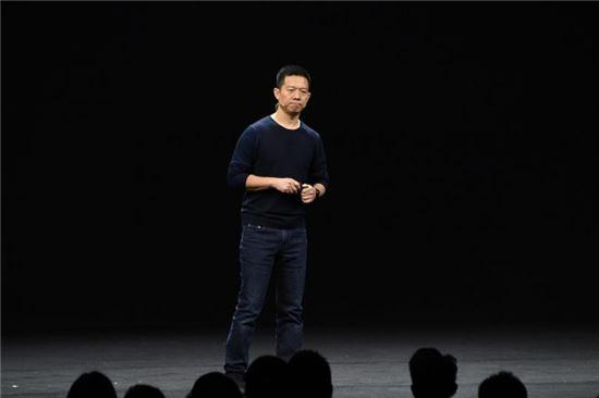중국 LeTV(러스왕)의 설립자인 자웨팅