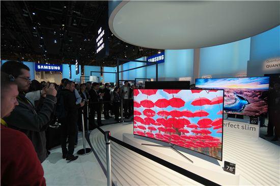 ▲CES 2016에서 공개된 삼성 78형 SUHD TV(제공=삼성전자)