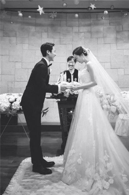정우 김유미 결혼. 사진=FNC 엔터테인먼트 제공