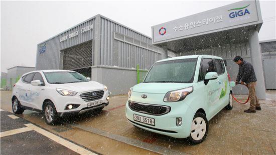 현대자동차그룹이 광주광역시와 손잡고 지난해 1월 출범시킨 광주조경제혁신센터가 수소경제 구현을 위한 핵심 인프라 사업인 융합스테이션을 국내 최초로 완공하고 그 모습을 18일 처음 공개 했다.