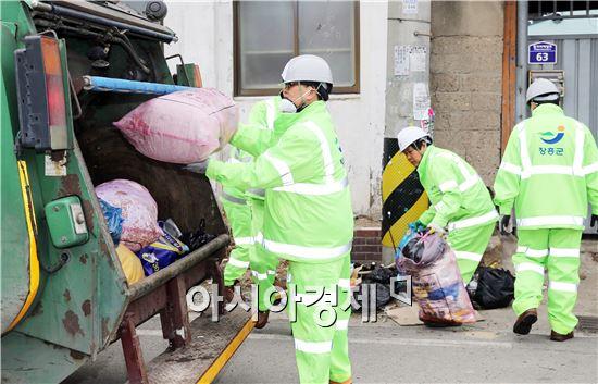 장흥군이 2월 1일부터 쓰레기 종량제봉투 가격을 17년만에 인상한다.