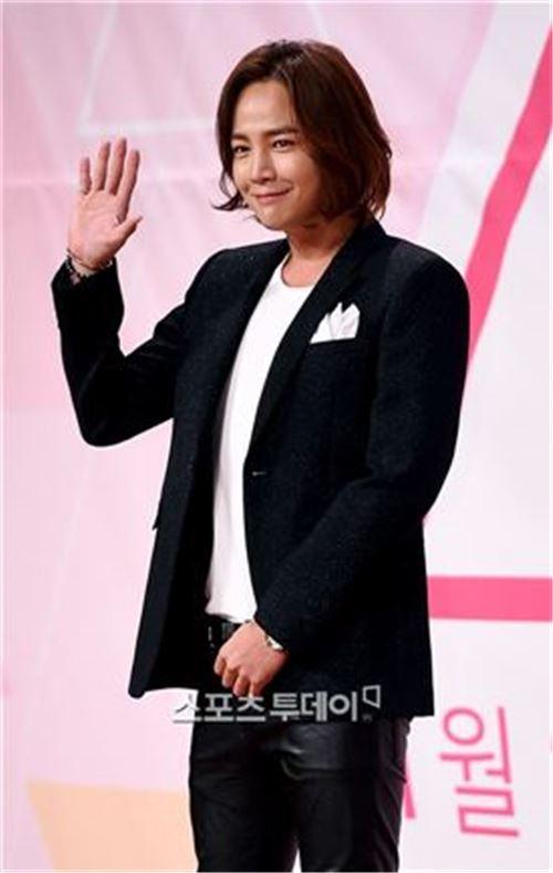 장근석이 Mnet '프로듀스101'에서 메신저 역할을 맡았다.