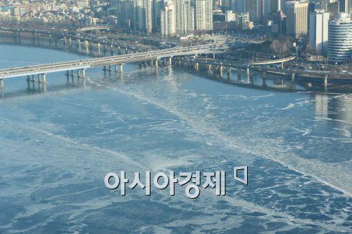 [포토]한강이 얼었다
