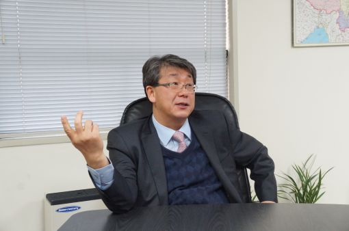 강승수 한샘 부회장이 중국시장 진출 전략에 대해 설명하고 있다.