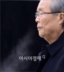 이슈 공백 허용하지 않는 김종인의 '몰아치기'