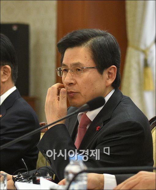 [포토]발언하는 황교안 총리