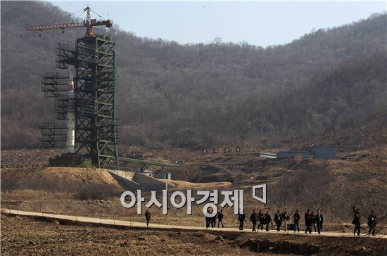 북한은 지난달 6일 기습적으로 4차 핵실험을 단행한 데 이어 약 한 달 만에 장거리 미사일 도발을 예고했다.