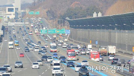 """[더 빠른 길①] '맵피' 내비 앱 중 가장 빠른 경로 """"서울-부산 '5시간 11분'"""""""