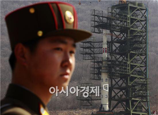 北 핵실험 가능성에 日 관방장관 '긴급 기자회견'
