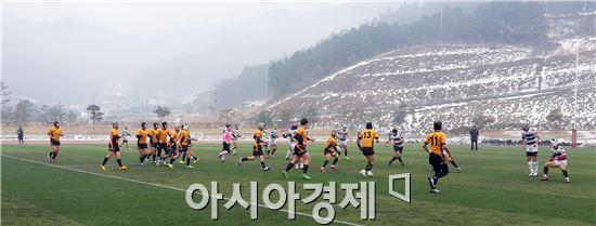럭비 선수들이 진도군에서 동계훈련을 하고있다.