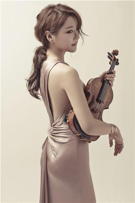 """[인터뷰] 바이올리니스트 신지아 """"철벽보단 너그러움이 필요했어요"""""""