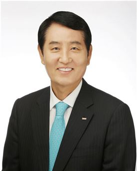 성세환 BNK금융지주 회장 연임 확정