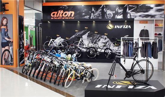 자전거의 모든 것, 홈플러스서 해결…일산에 '알톤스포츠 직영점' 개점