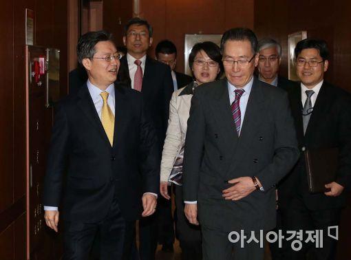 [포토]나란히 입장하는 韓-中 6자회담 수석