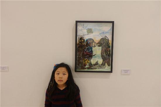 사치갤러리 학생 경연에서 초등부 1등상을 탄 김나영 양