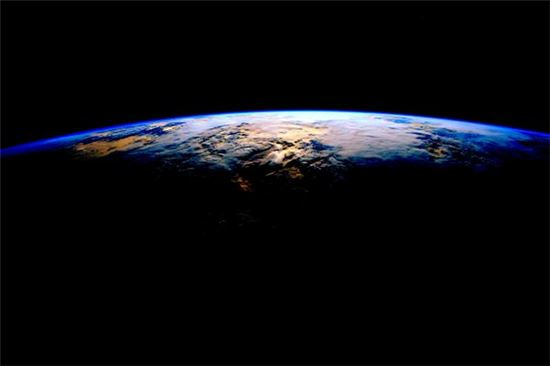 ▲스콧 켈리가 국제우주정거장에서 촬영한 아름다운 지구.[사진=NASA/스콧 켈리]