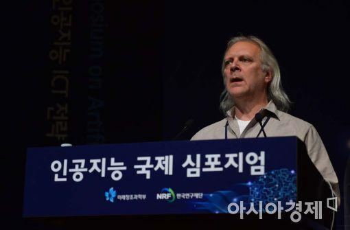 [포토]기조연설하는 롭 하이(Rob High) IBM  왓슨 CTO
