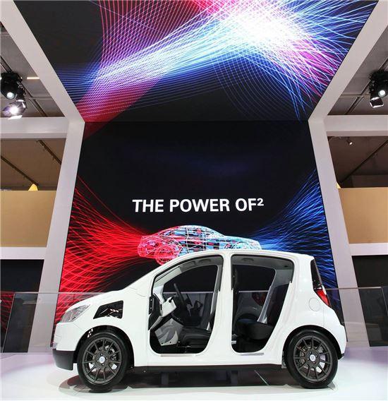 독일ZF그룹에 인수된 자동차부품업체 TRW가 지난해 독일에서 열린 프랑크푸르트모터쇼에 참가해 선보인 전시물