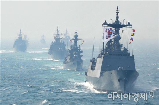 제1회 서해 수호의 날'을 맞아 서해 북방한계선(NLL)을 지키다 산화한 전우들의 영해사수 의지를 기리고 북한의 도발 위협에 단호한 대응 의지를 보여주고자 동ㆍ서ㆍ남해 전 해역에서 대규모 해상기동훈련을 했다.