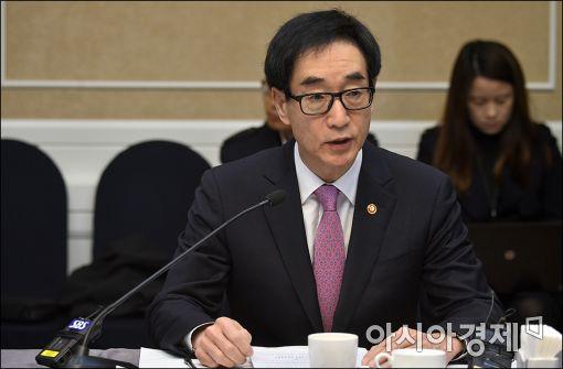이준식 사회부총리 겸 교육부장관 / 사진 = 아시아경제DB