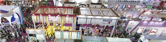 지난해 8월 중국 상하이전람센터에서 열린 제18회 아시아애완동물박람회 행사장 전경(사진=아시아애완동물박람회).