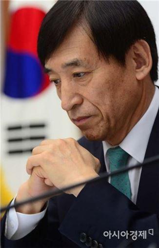[4월 금통위]한국은행, 올해 성장률 전망 3.0%→2.8%로 낮춰(종합)