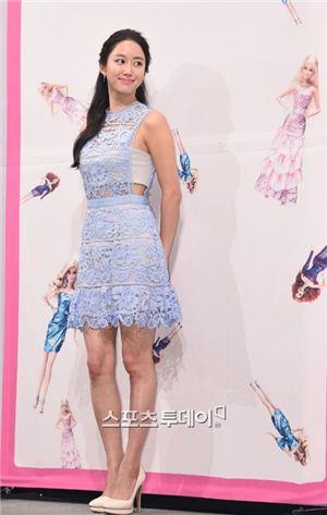tvN 새 월화극 '또 오해영' 제작발표회에 참석한 전혜빈/사진=스포츠 투데이