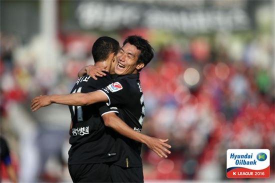 성남FC가 광주FC를 2-0으로 제압했다. [사진=프로축구연맹 제공]