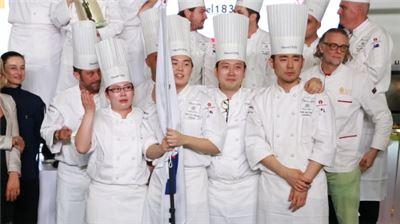 요리대회 보큐즈 도르(Bocuse d'or) 아시아 퍼시픽지역 예선에 통과한 한국팀
