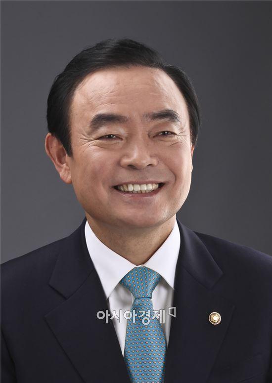 <장병완 광주 동남갑 국회의원(국민의당 정책위의장)>