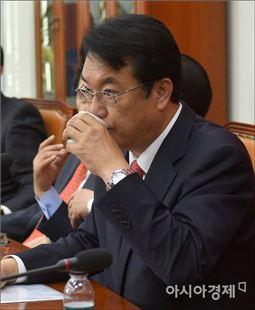 정진석 새누리당 원내대표