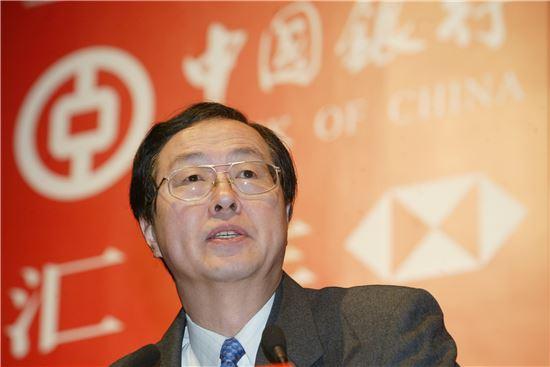중국 인민은행 져우 샤오촨 총재. '지급준비율 인하'는 중국 인민은행이 경기부양을 위해 자주 사용하는 정책이다.