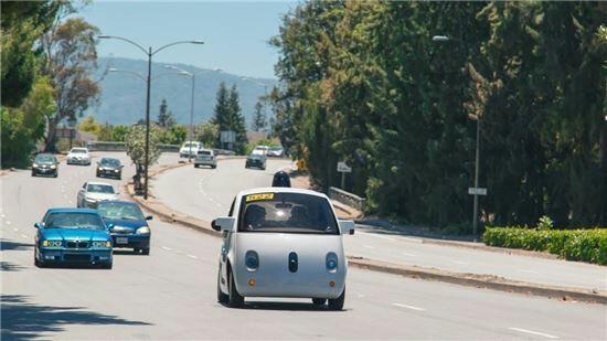 구글, 무인자동차 주행 실험 참가자 모집