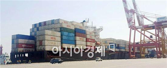 지난 14일 광양항 HSGT에 입항한 이리슬해운 바시트호